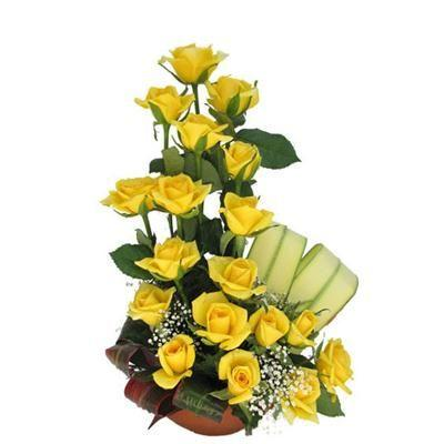 20 Yellow Roses in a Basket